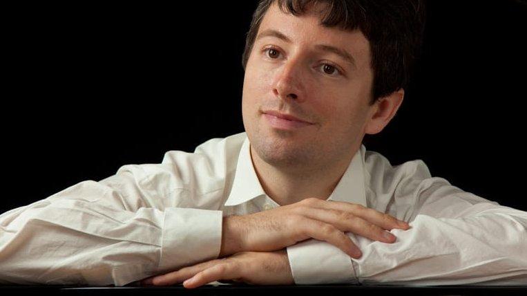 Pianist Daniel Fritzen